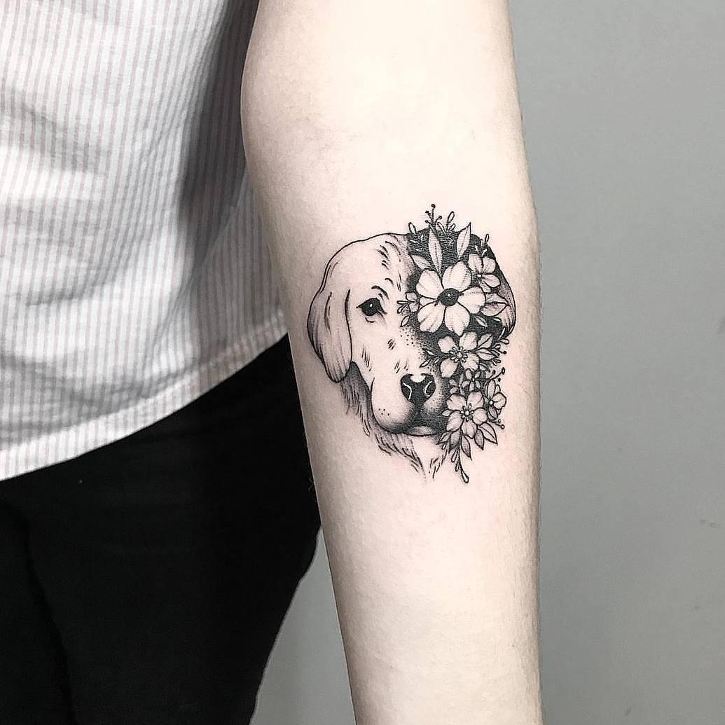 融小姐小臂狗狗小花纹身图案